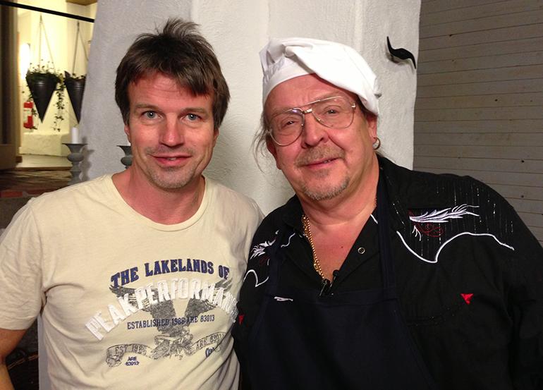 Torbjörn Holm, producent, ihop med Olle Jönsson.