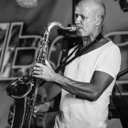 Ny saxofonist i bandet!
